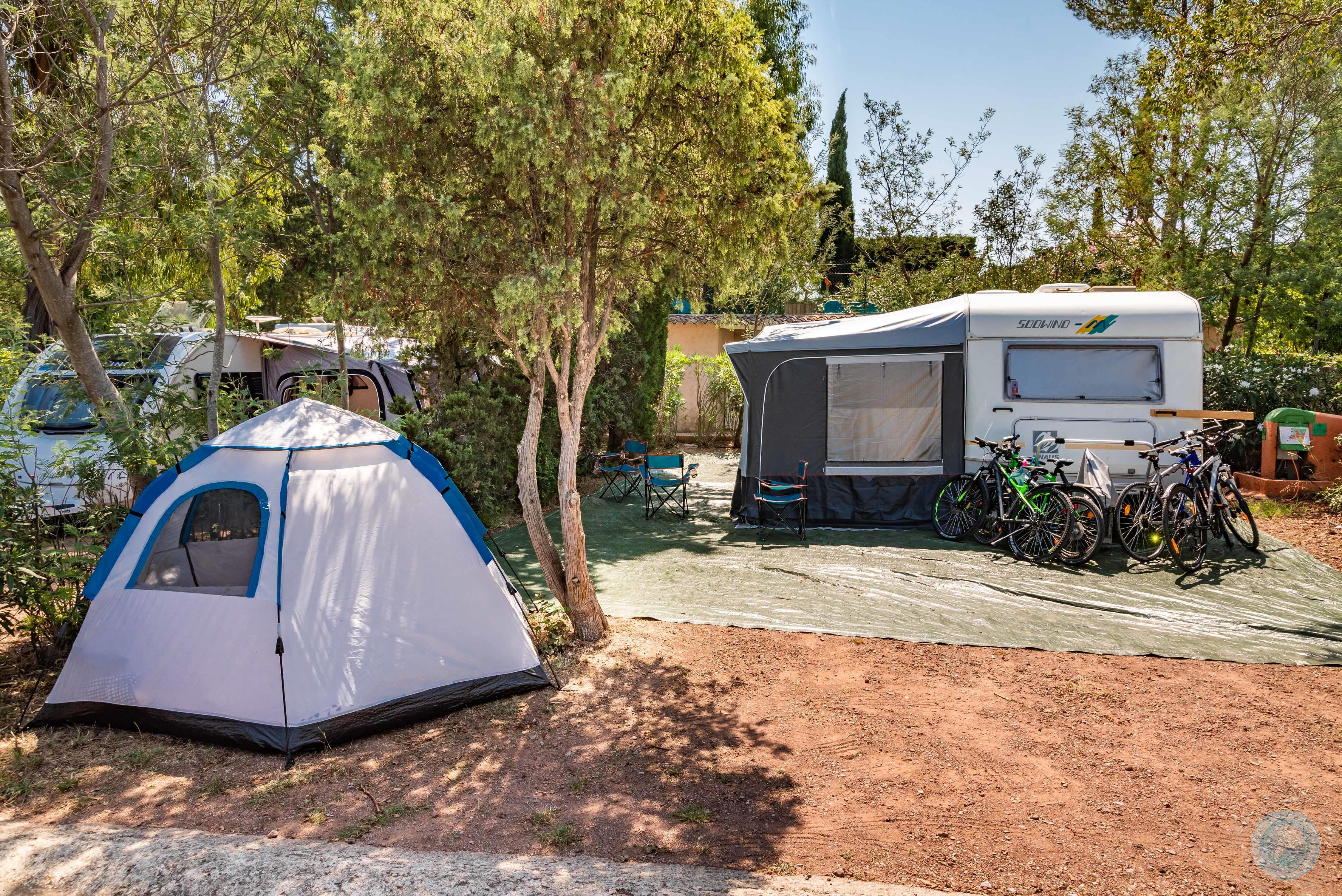 Emplacement - Emplacement 'Maxi' (Caravane / Campingcar, Attention: Pas De Tente) - Esterel Caravaning