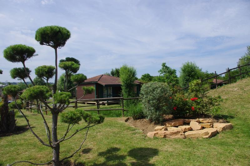 Accommodation - Chalet Marina - 34 M² - Terrace (2 Bedrooms) - Camping Les Portes Du Beaujolais