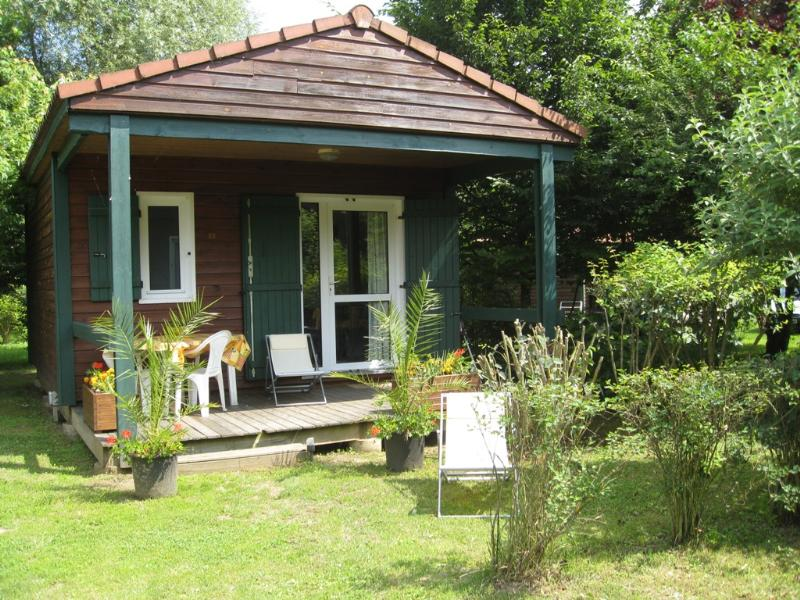 Accommodation - Chalet Néva - 24 M² - Terrace (2 Bedrooms) - Camping Les Portes Du Beaujolais