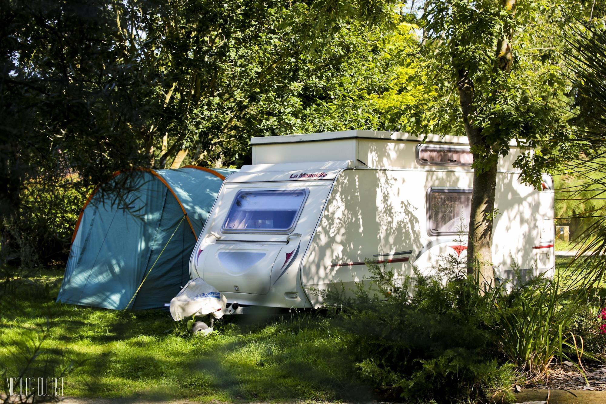 Emplacement - Emplacement Confort  (1 Tente, Caravane Ou Camping Car / 1 Voiture, Electricité10a) - Camping Baie de Térénez