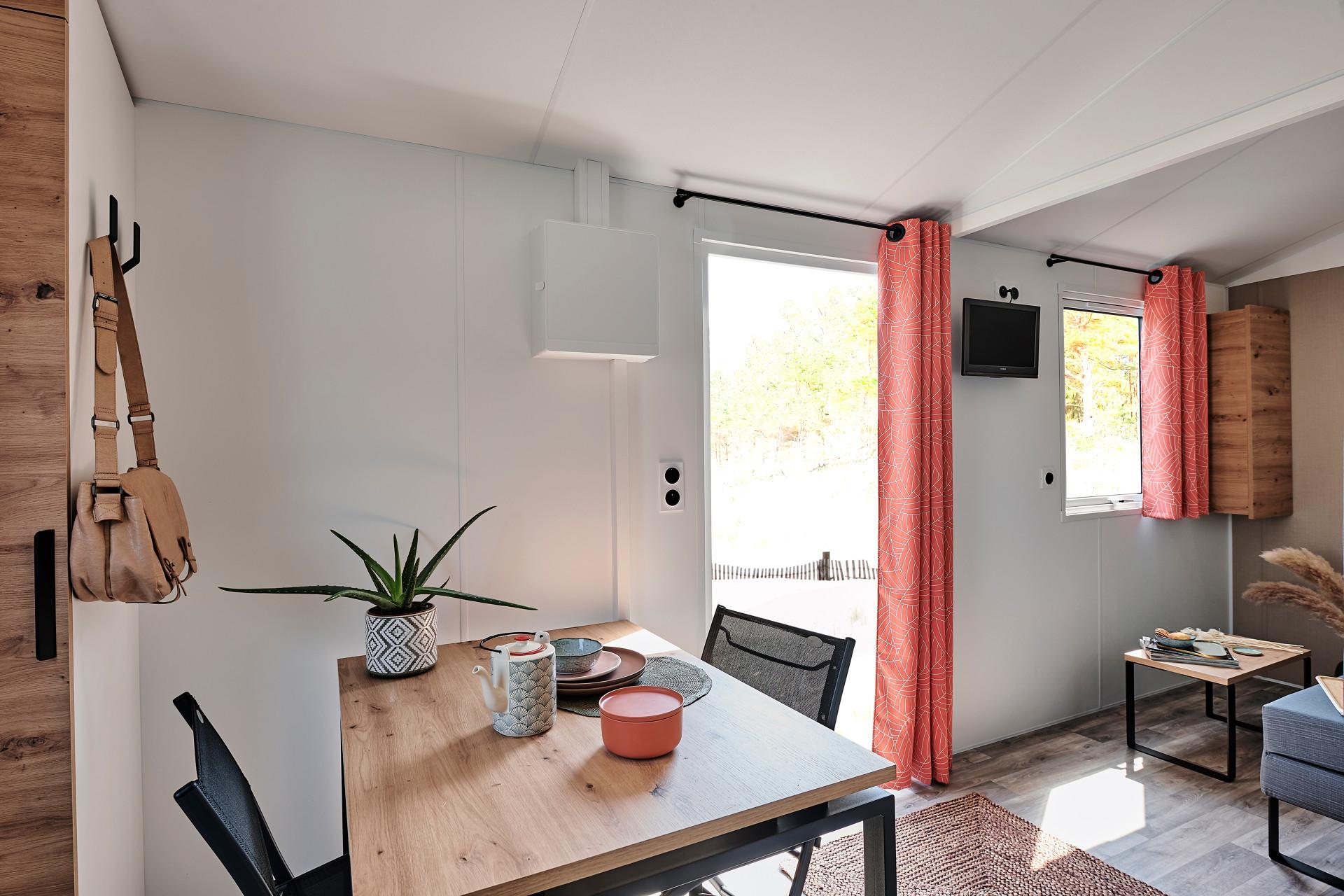 Mobil-home Premium 19m² (1 chambre) + Lave-vaisselle + Lit 160 + Terrasse semi-couverte 11m²
