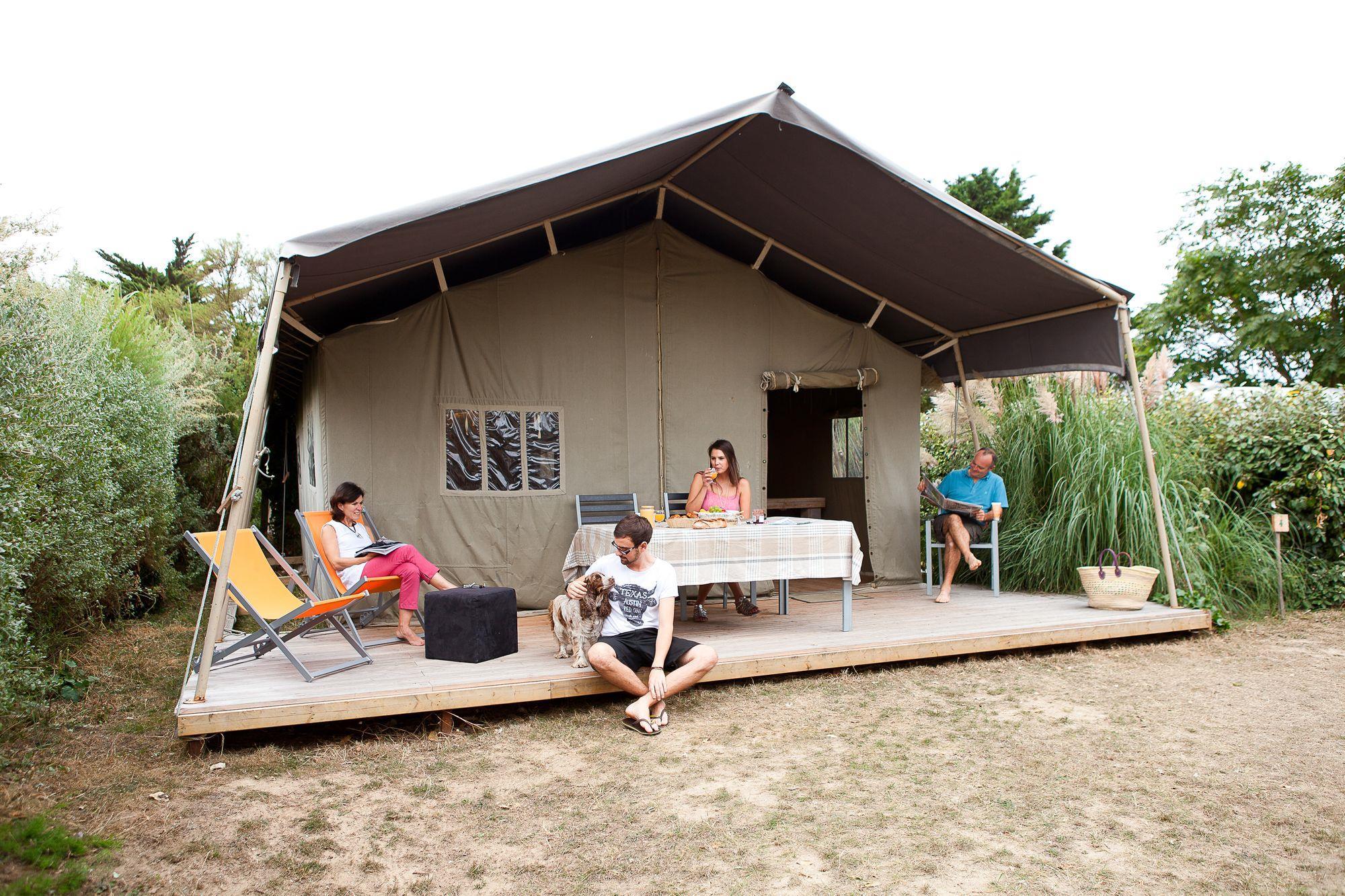 Location - Tente Lodge Safari 35M² - 2 Chambres (Sans Sanitaires Privatifs) - Camping Les Baleines
