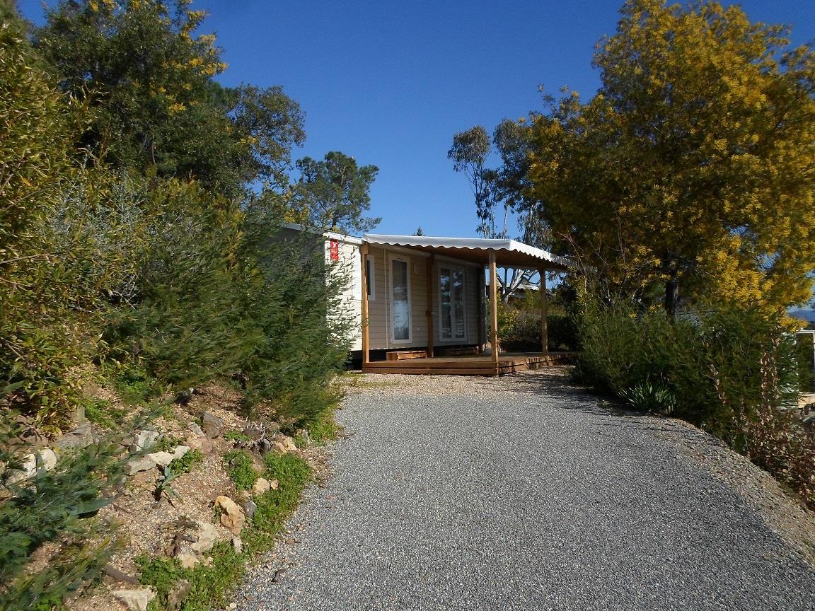 Location - Cottage A - 2 Chambres - Sans Climatisation - 29M2 - Camping Castel Domaine de la Bergerie