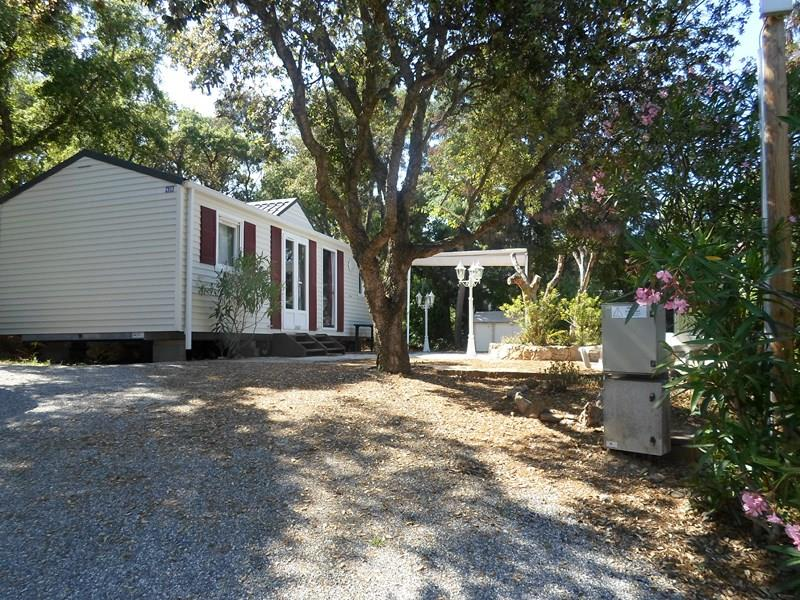 Location - Cottage Espace B - 3 Chambres - Sans Climatisation - 39M2 - Camping Castel Domaine de la Bergerie