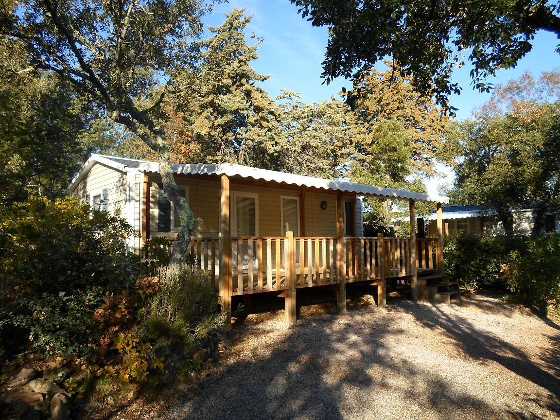 Location - Cottage A - 2 Chambres - Climatisation - 31M² À 32M² - Camping Castel Domaine de la Bergerie