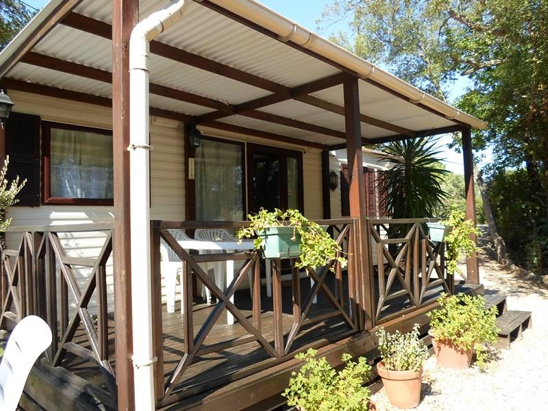 Location - Cottage Espace B - 2 Chambres - Climatisation - 32M² À 37M² - Camping Castel Domaine de la Bergerie