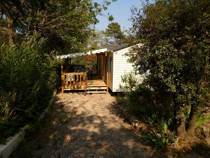 Location - Cottage Espace B - 3 Chambres - 2 Sdb - Climatisation - 39M² À 40M² - Camping Castel Domaine de la Bergerie