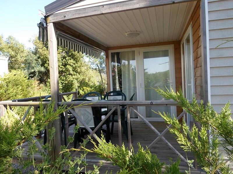 Location - Cottage C - 2 Chambres - Climatisation - 26 À 28M² - Camping Castel Domaine de la Bergerie