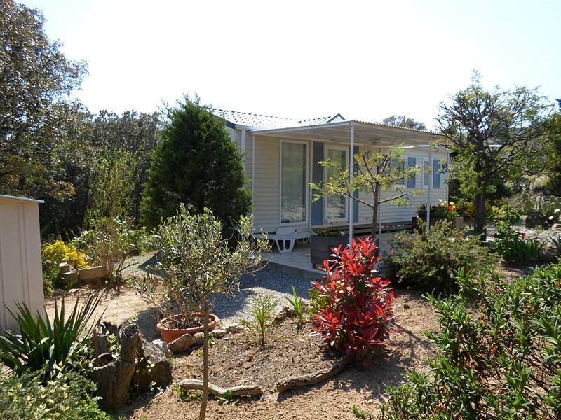 Location - Cottage C - 2 Chambres - Sans Climatisation - 28M² À 31M² - Camping Castel Domaine de la Bergerie