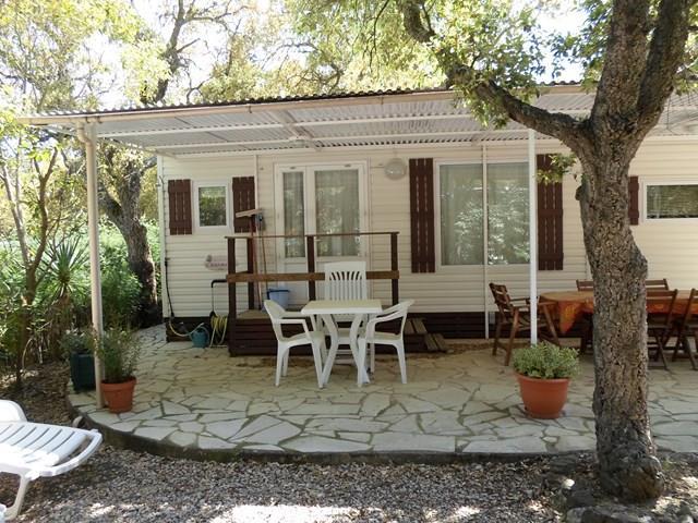 Location - Cottage D - 2 Chambres - Sans Climatisation - 28M² À 30M² - Camping Castel Domaine de la Bergerie
