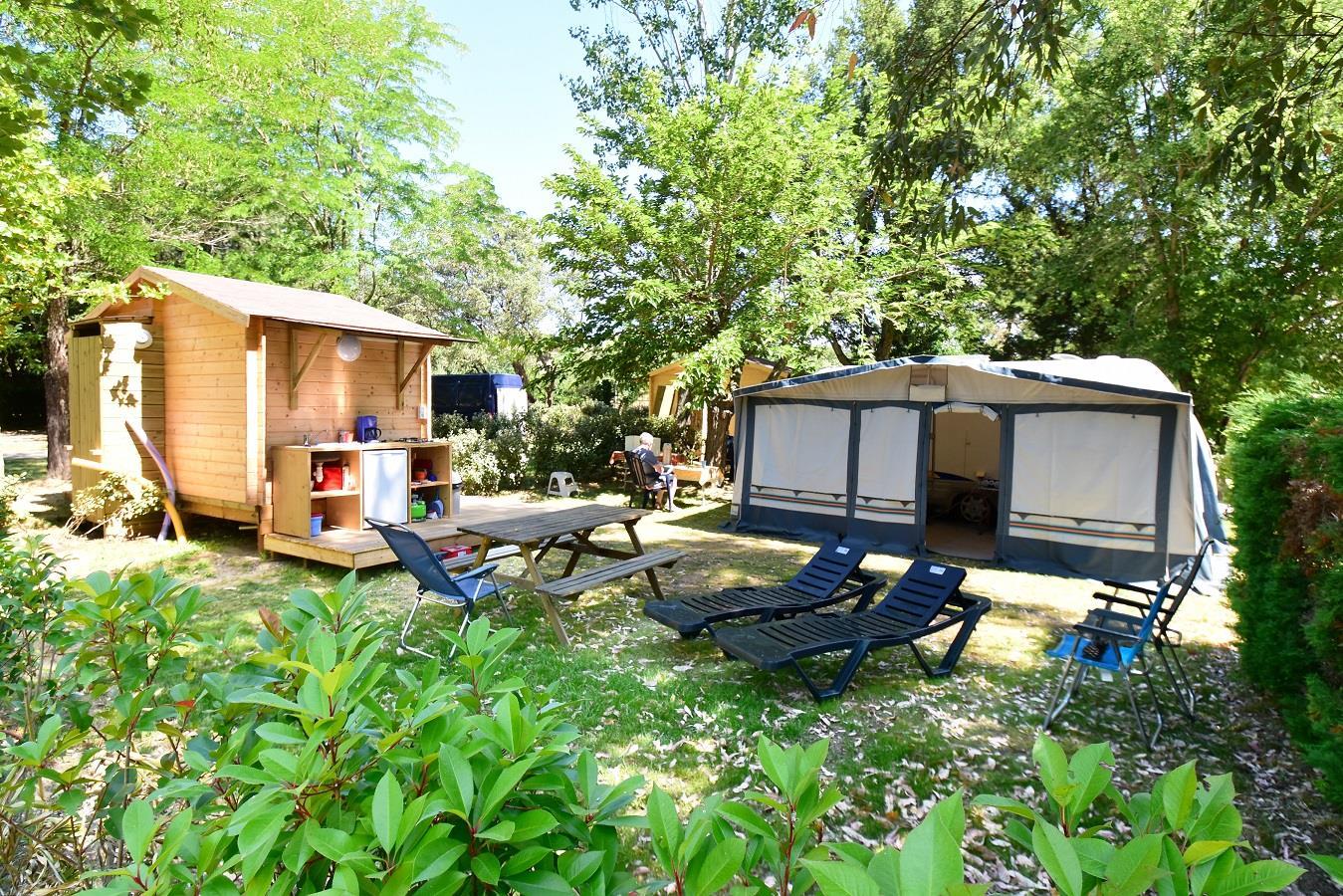 Emplacement - Emplacement Premium Suite Avec Sanitaire Privatif +130M² - Camping Castel Domaine de la Bergerie