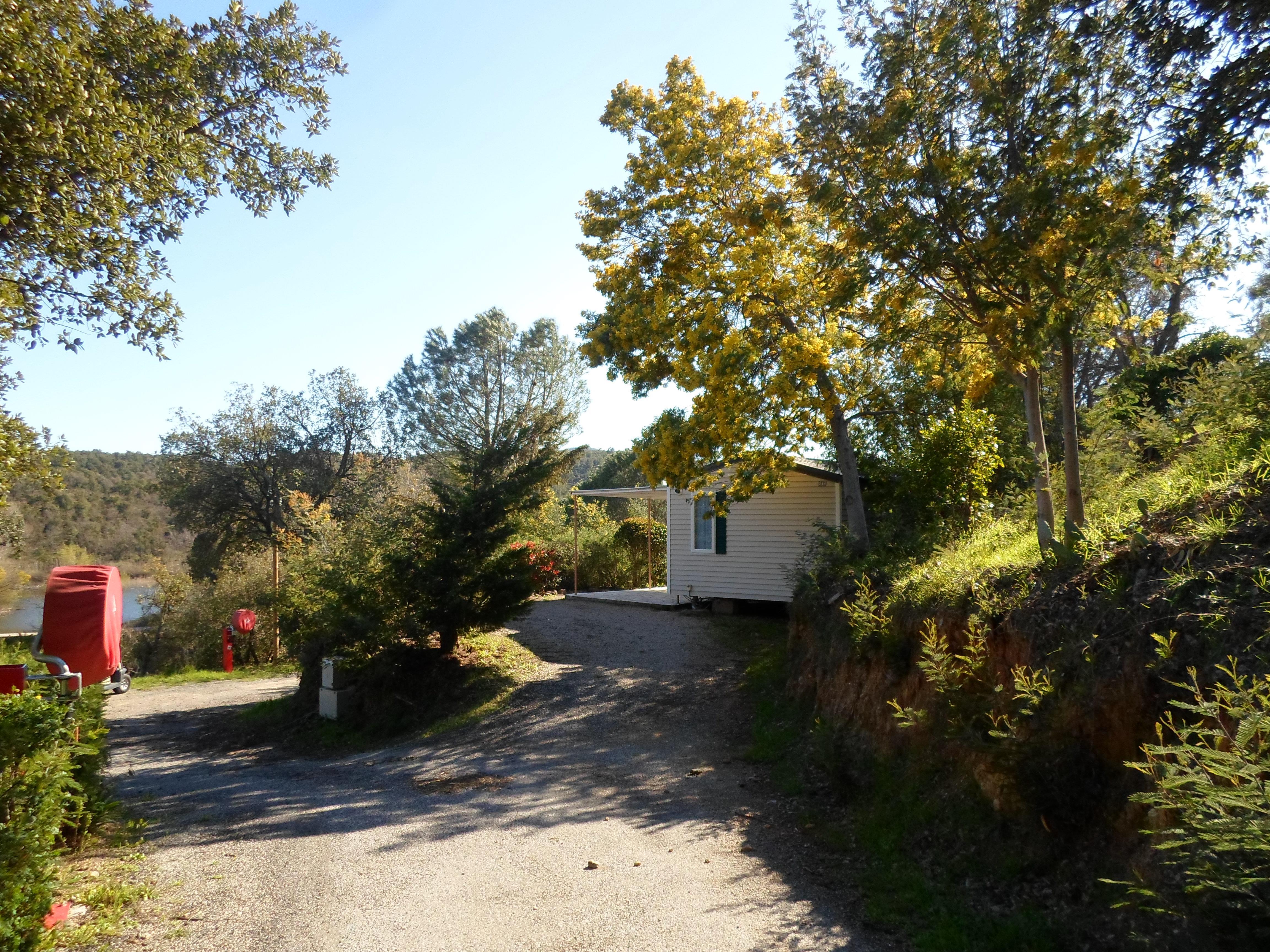 Location - Cottage C - 2 Chambres - Sans Climatisation - 26 À 28M² - Camping Castel Domaine de la Bergerie