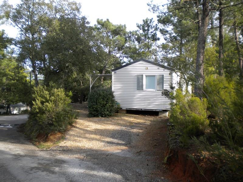 Location - Cottage D - Sans Climatisation - 3 Chambres - 32M² - Camping Castel Domaine de la Bergerie