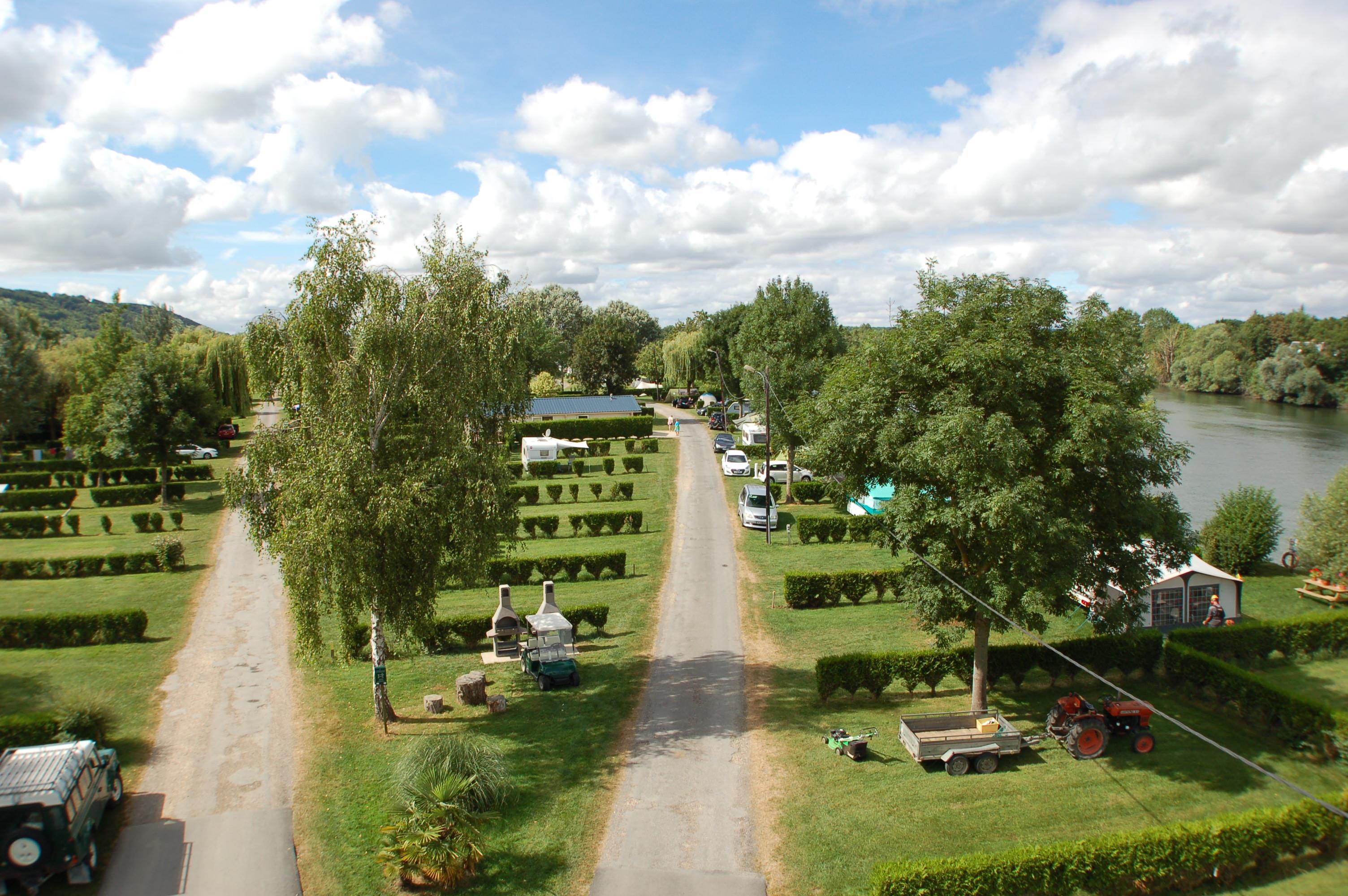 Forfait Confort : voiture + caravane ou tente ou camping-car + électricité (6A)