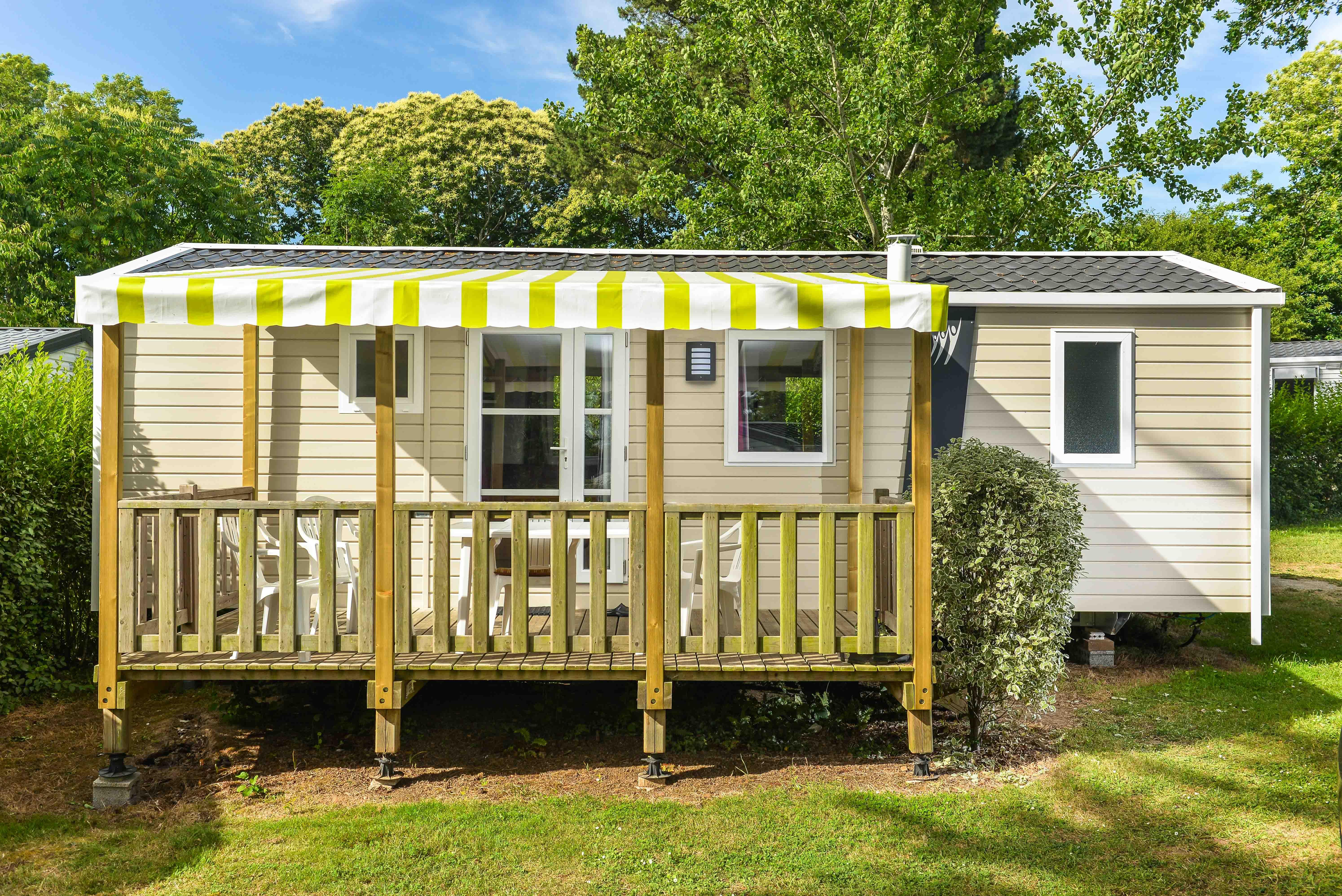 Location - Mobil-Home Premium Morgane 32M² (2 Chambres) + Terrasse Couverte - Flower Camping Le Kergariou
