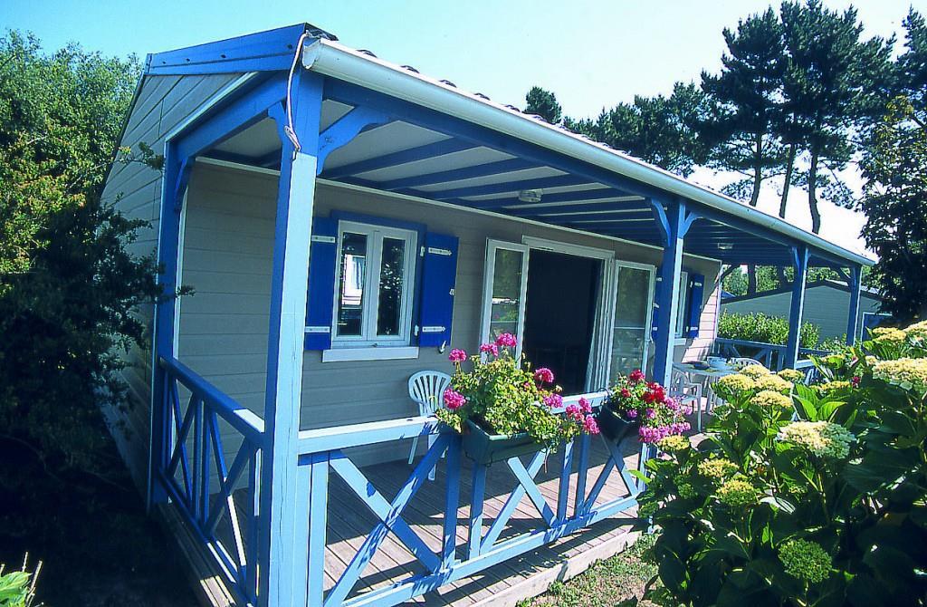 Location - Chalet Decouverte Confort 32M² (3 Chambres) + Terrasse Couverte 16.40M² - Camping de Kerleyou