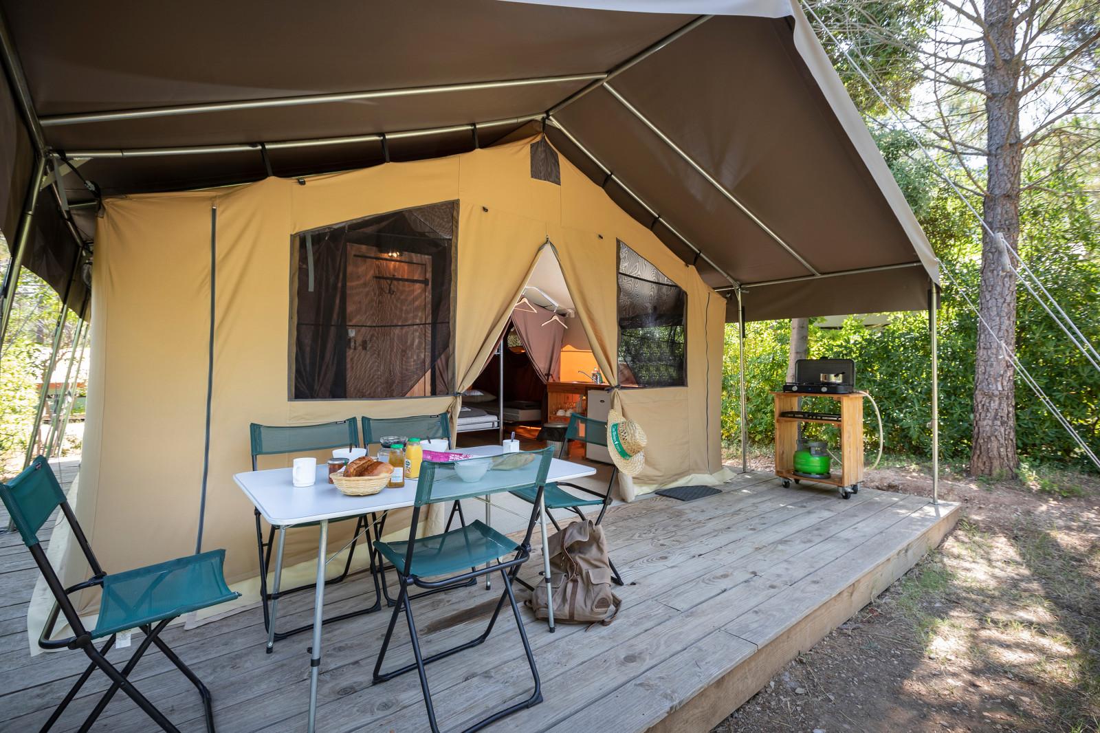 Camping Huttopia Fontvieille, Fontvieille, Bouches-du-Rhône
