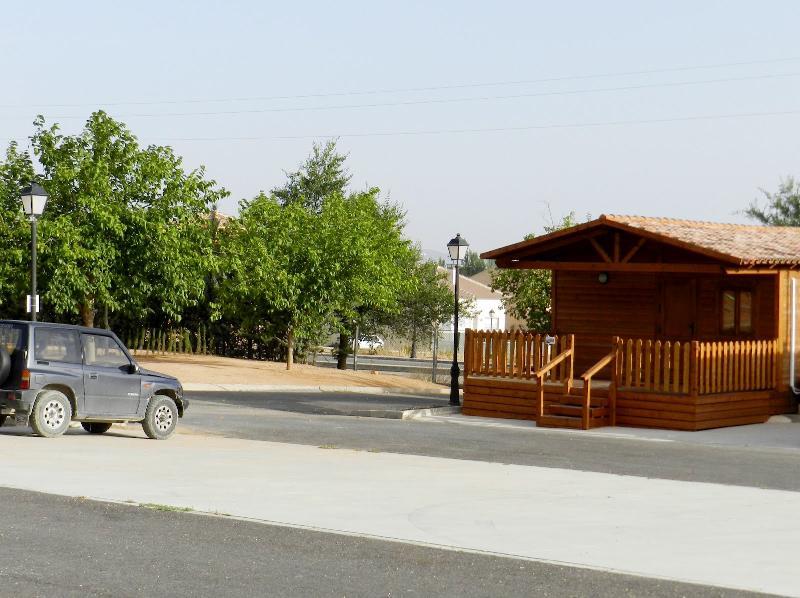 Location - Cabane En Bois - Camping La Sierrecilla