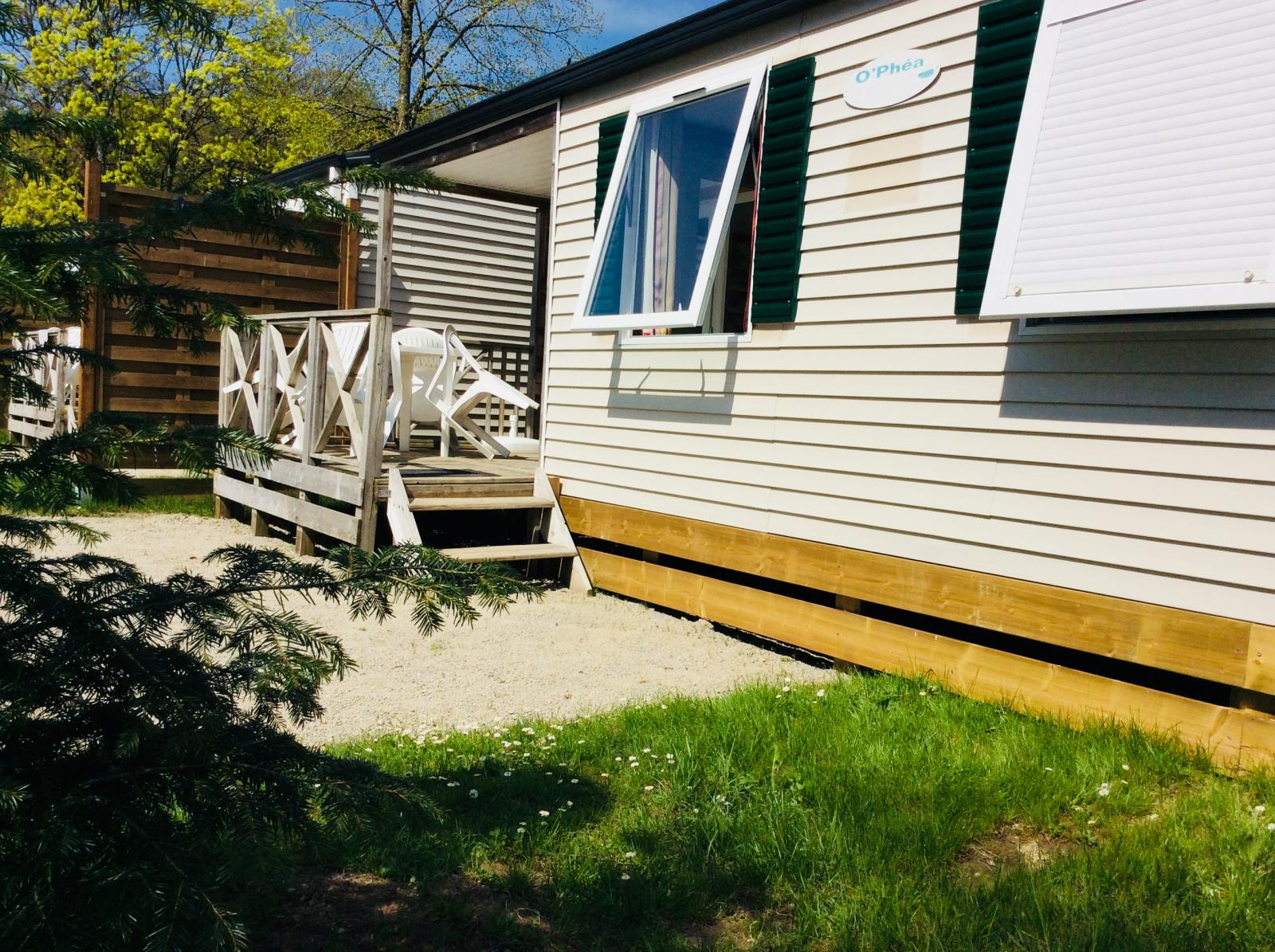 Mobilhome N°8 - 2 Chambres Cabine - Terrasse