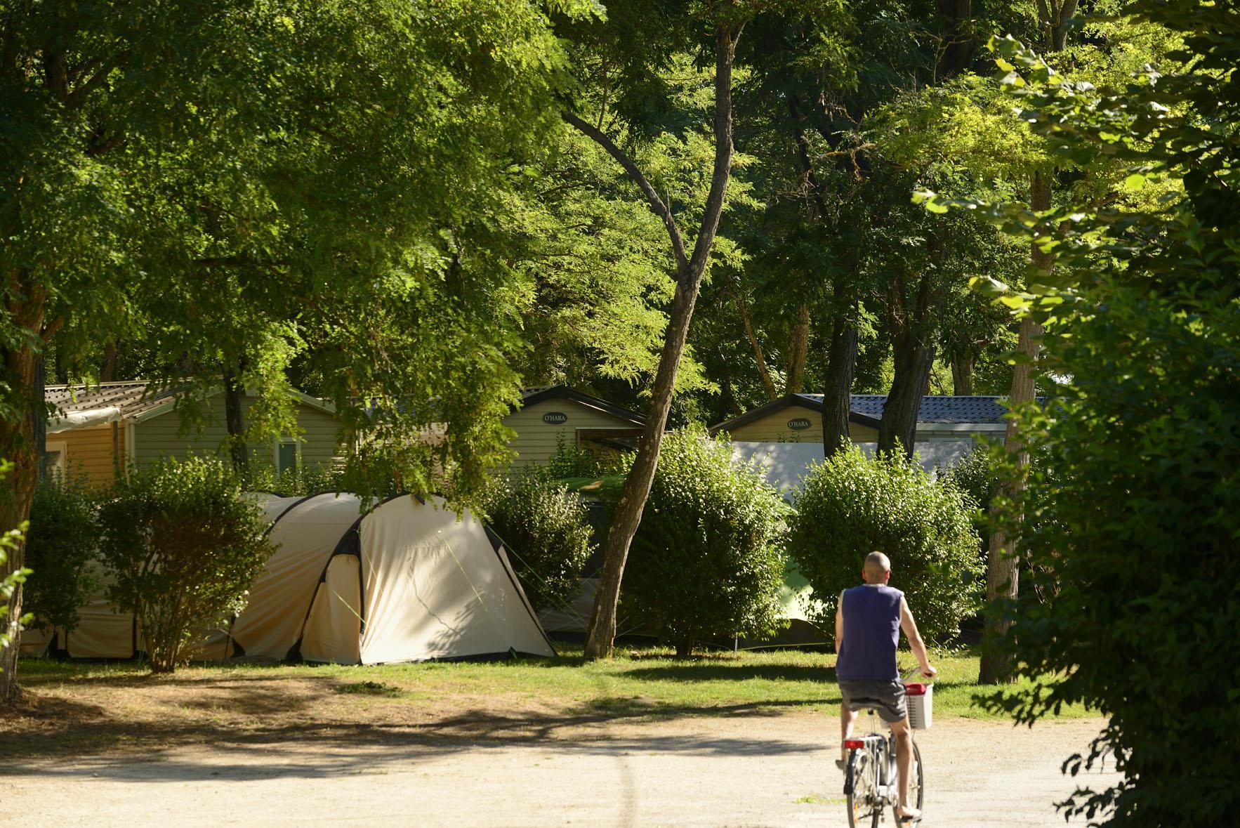 Camping les Portes de Sancerre, Saint-Satur, Cher