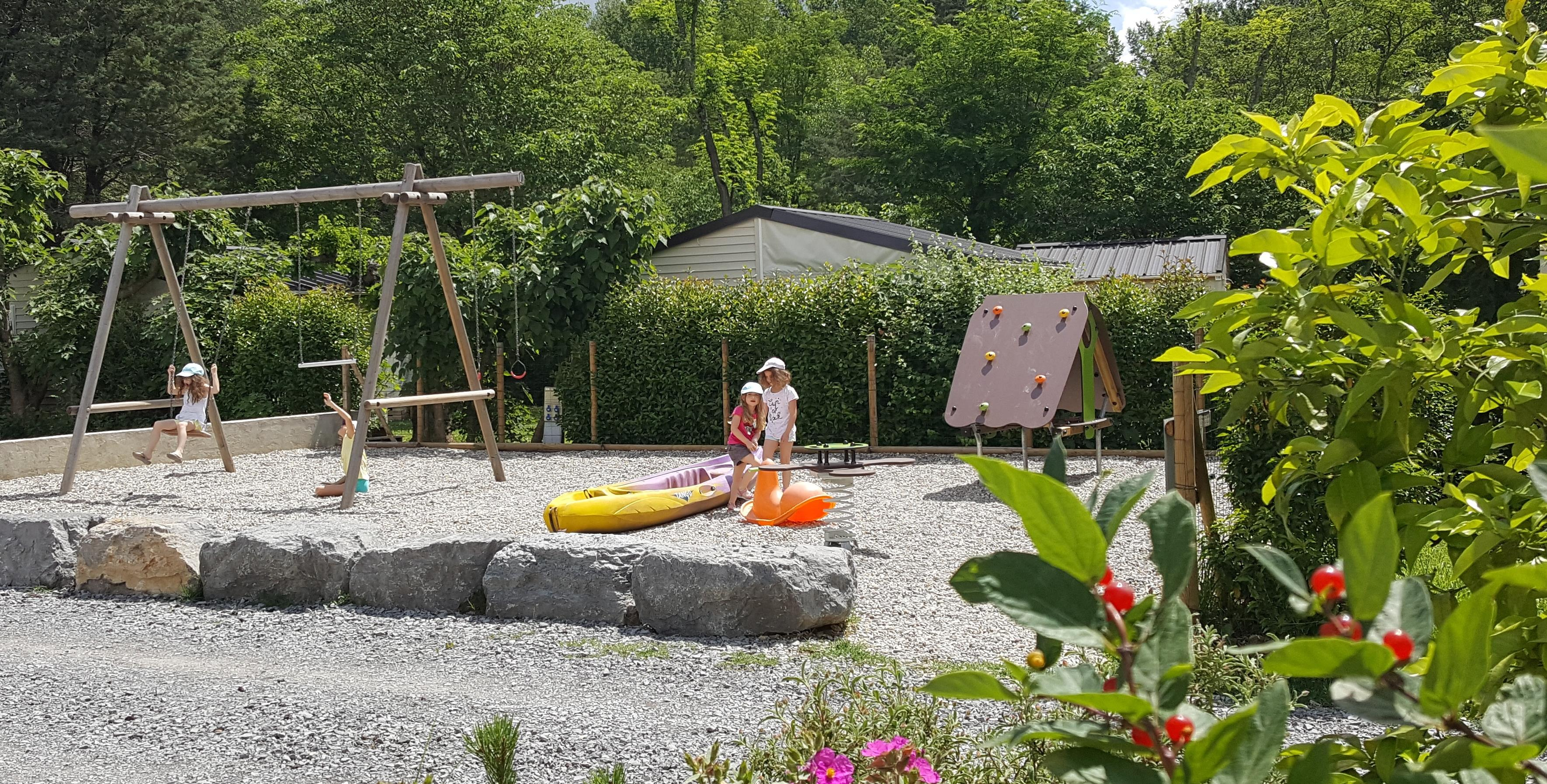 Camping le Coin Charmant, Chauzon, Ardèche