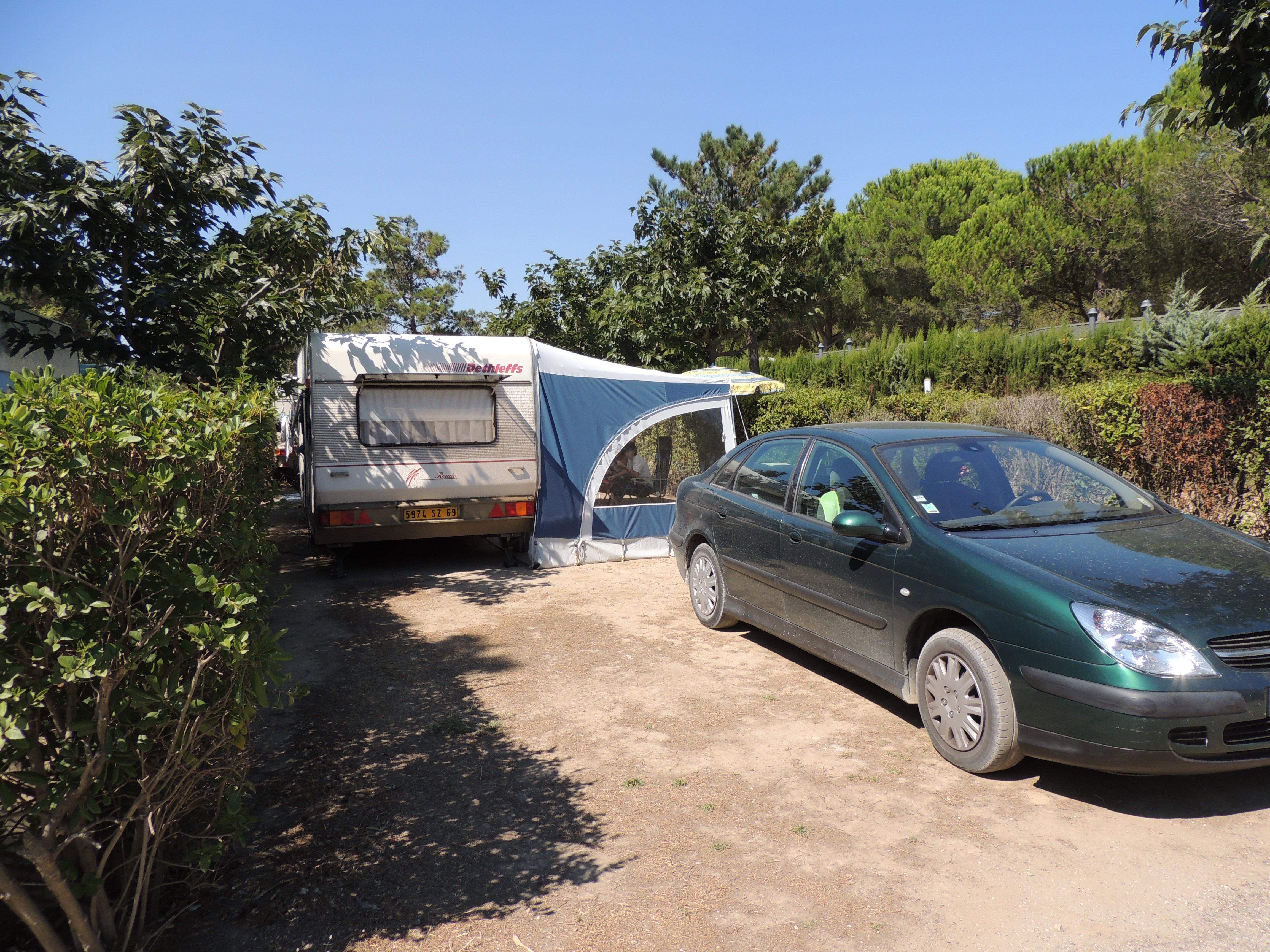Emplacement - Emplacement En Camping  Électricité - Chadotel Camping Le Trivoly