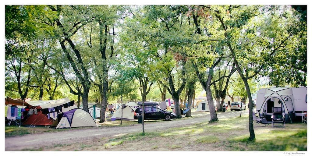 Kampeerplaats (Auto + Tent / Caravan)