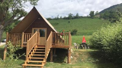 Tente lodge canadienne 24m² 2 chambres + mezzanine.