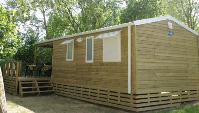 Location - Mobil-Home 32M² (3 Chambres) + Terrasse Semi-Couverte De 6M² Avec Barbecue - Camping du Lac de Saint-Cyr