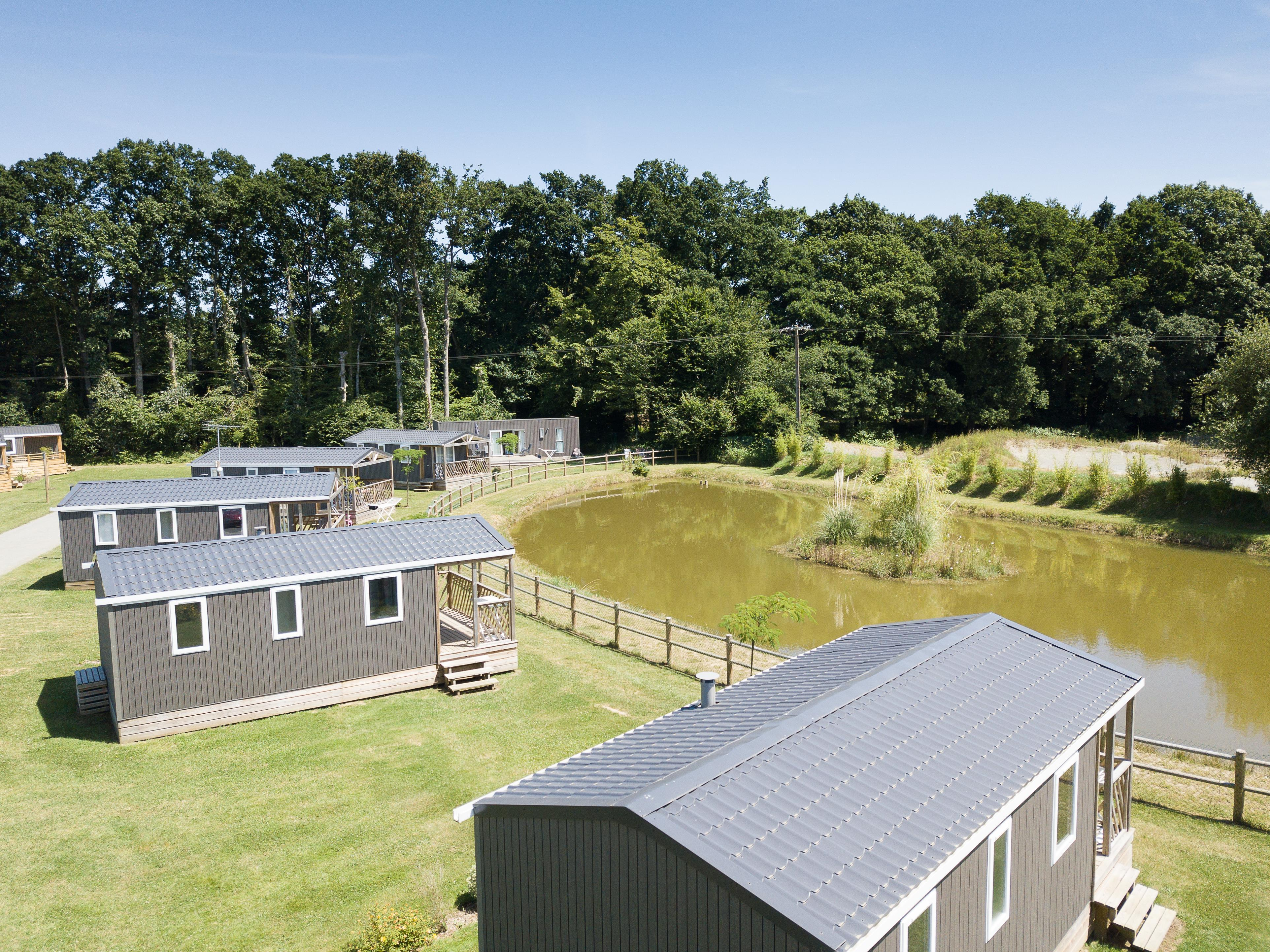 Location - Mobil-Home 2 Chambres - Camping Domaine du Logis