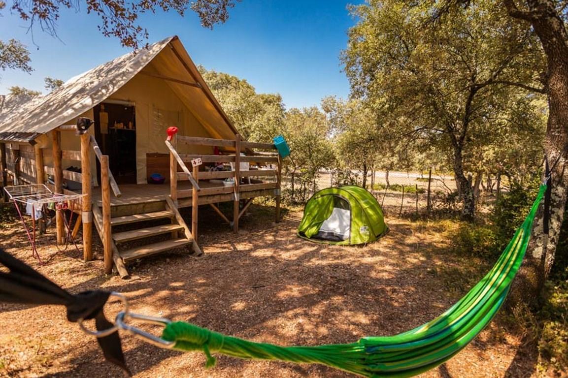 Location - Cabane Lodge Confort Safari 20M² (2 Chambres - Sans Sanitaires) + Terrasse Semi Couverte - Flower Camping Domaine de Gajan