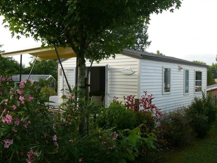 MH (+ 7 ans) 2 chambres 23 m2 terrasse bois sur-élevée avec store banne-1