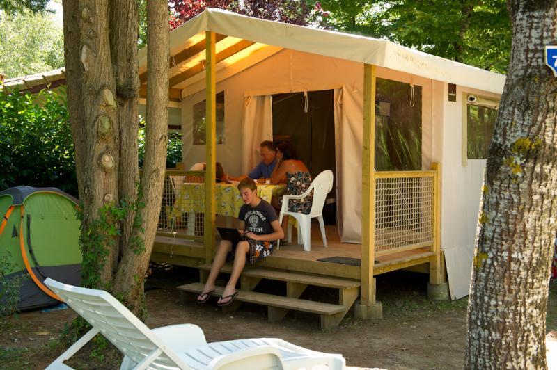 Location - Bungalow Safari 25M² (2 Chambres) - Sans Sanitaires - Camping Les Lacs de Courtès