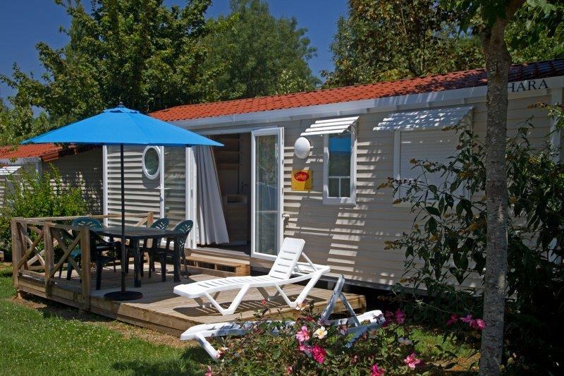 Location - Cottage Tournesol 6 *** 3 Chambres - Yelloh! Village Le Lac des Trois Vallées