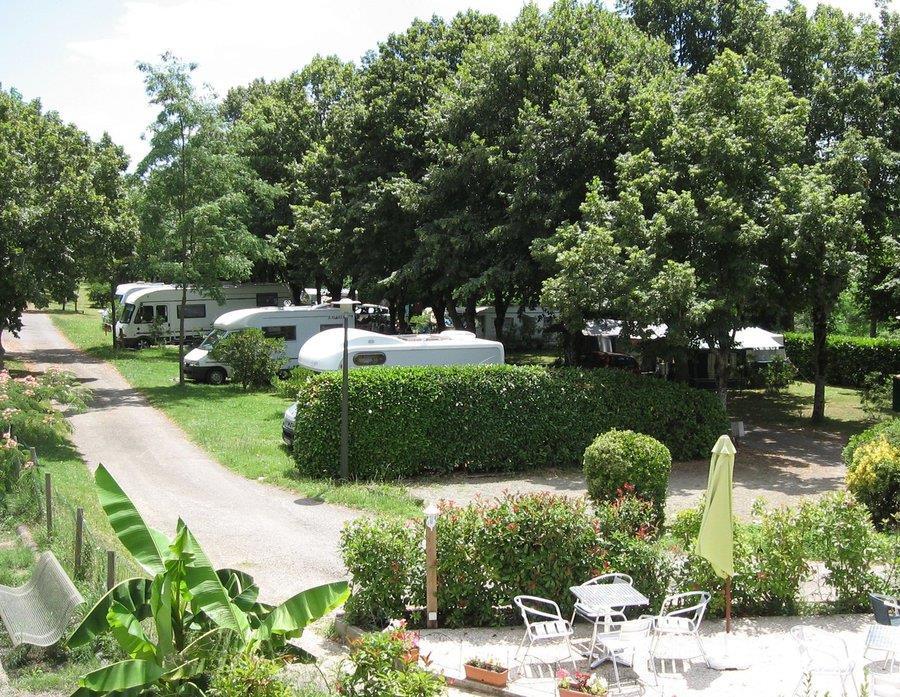 Emplacement - Forfait Confort (1 Tente, Caravane Ou Camping-Car / 1 Voiture / Électricité 6A) - Camping du Lac