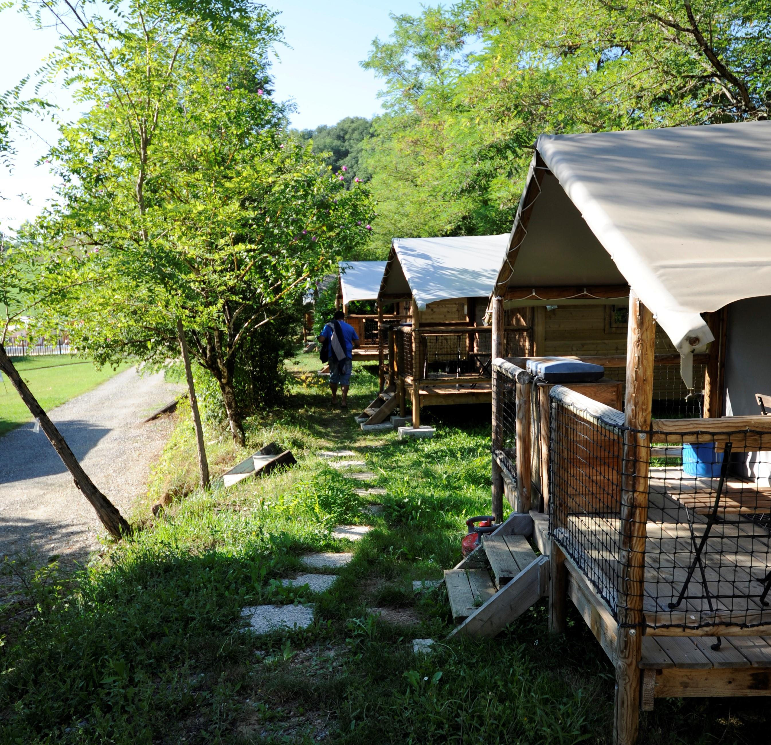 Location - Cabane Lodge 12 M² (1 Chambre) + Terrasse Couverte - Camping du Lac
