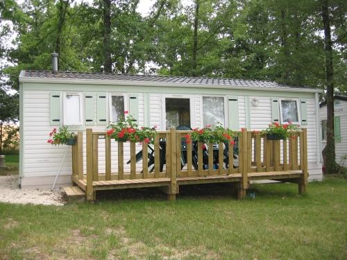 Location - Cottage Pellehaut 3 Ch. + De 10 Ans - Camping Sites et Paysages Aramis