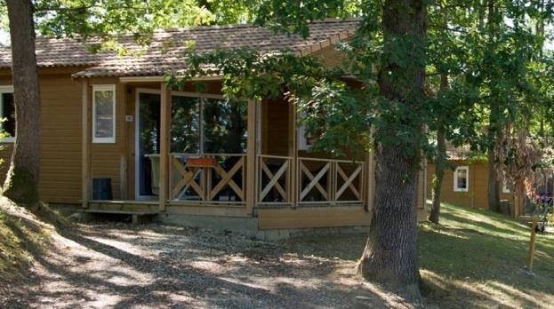 Location - Chalet Uby Avec Terrasse Couverte Et Grand Frigo+Congelateur - Camping Sites et Paysages Aramis
