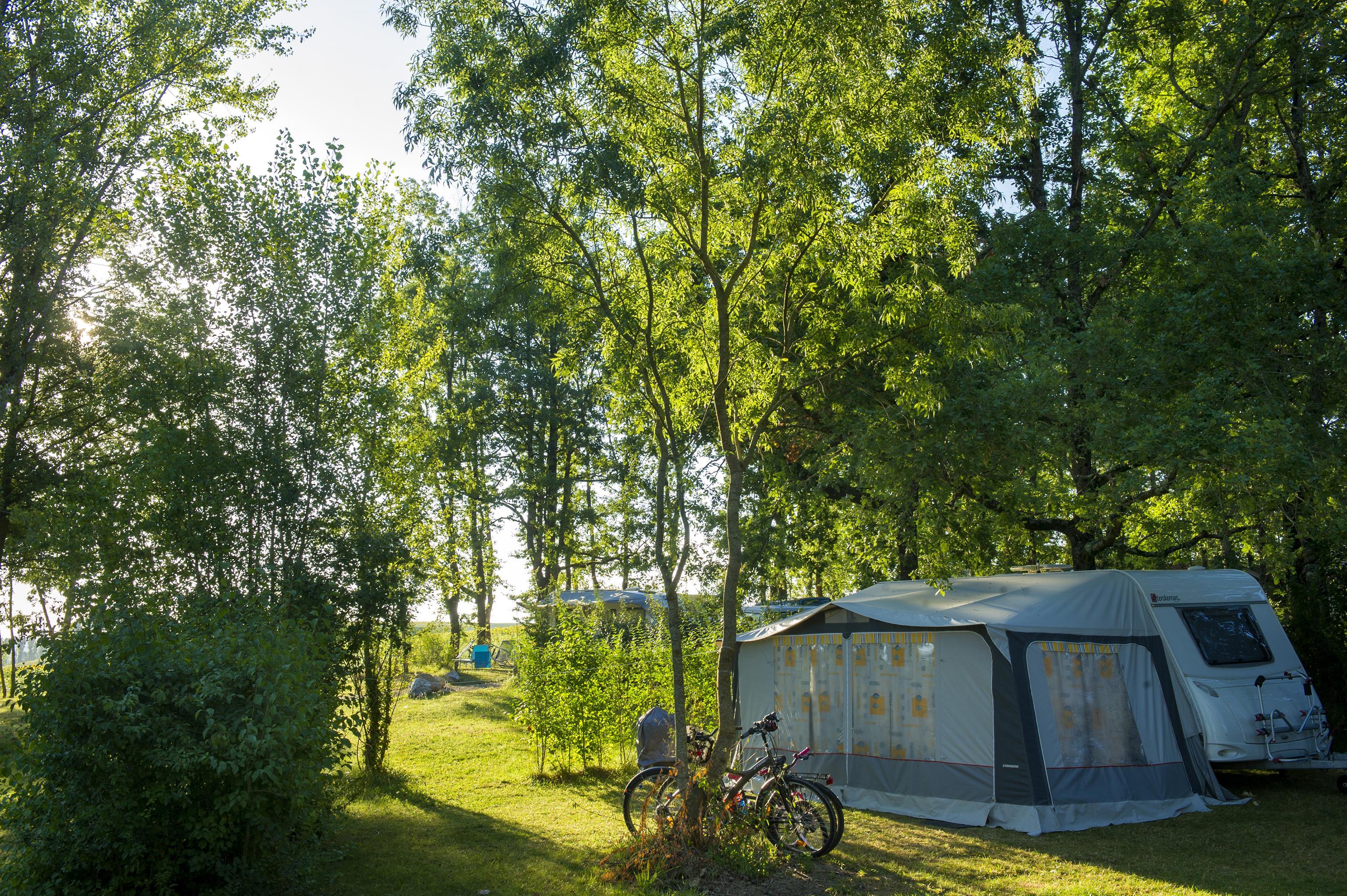 Emplacement - Emplacement Caravane/Camping Car Xl 100/150 M2 10 A - Camping Sites et Paysages Aramis