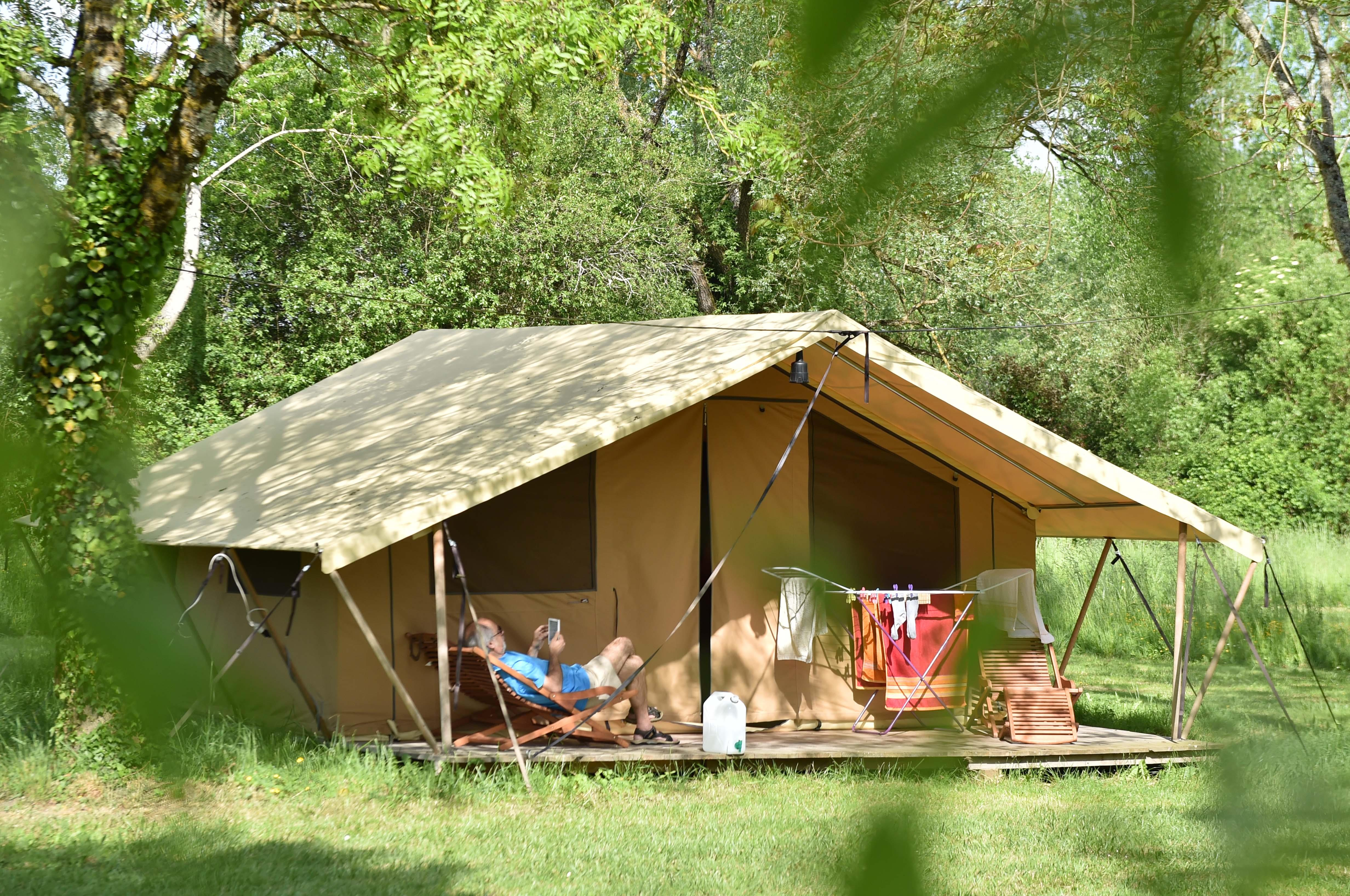 Location - Tente Safari-1- Jusqu'à 5 Personnes - Camping Le Petit Lion des Tourbières