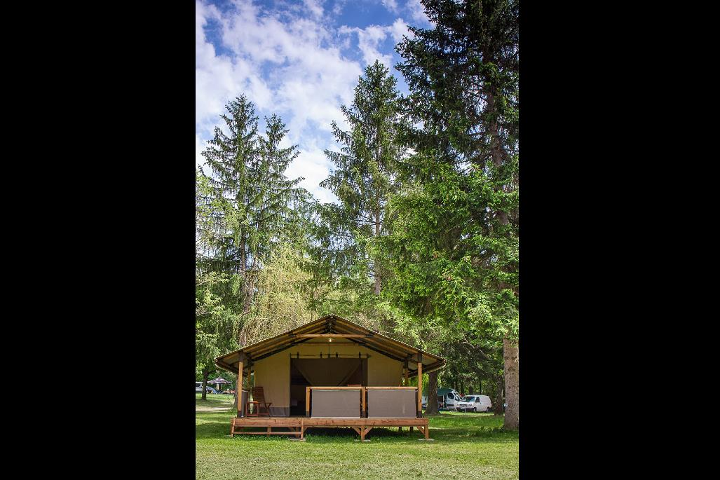 Accommodation - Echirou - CAMPING DE LA CLAIRETTE