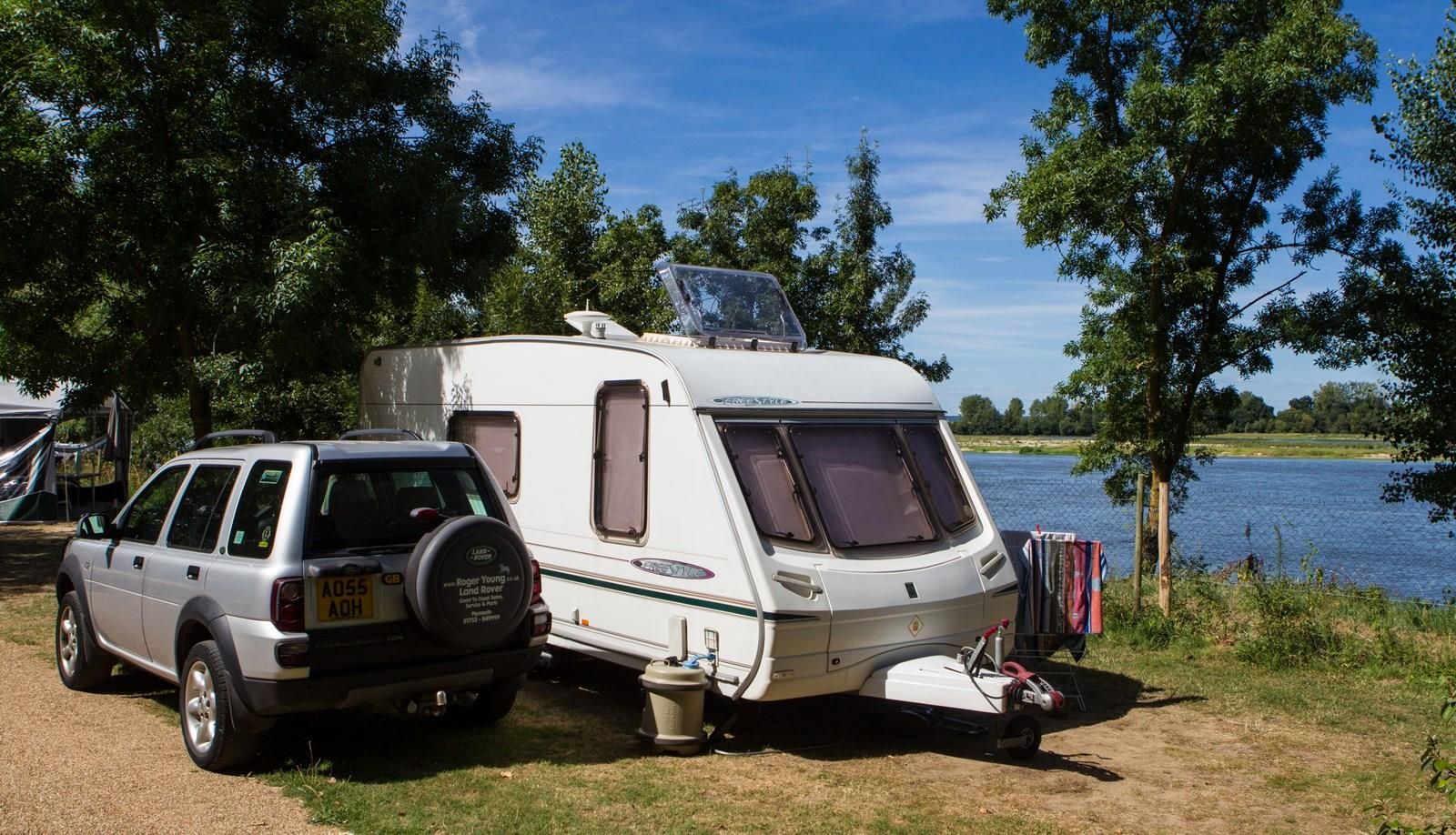 package with electricity + with river view on Loire