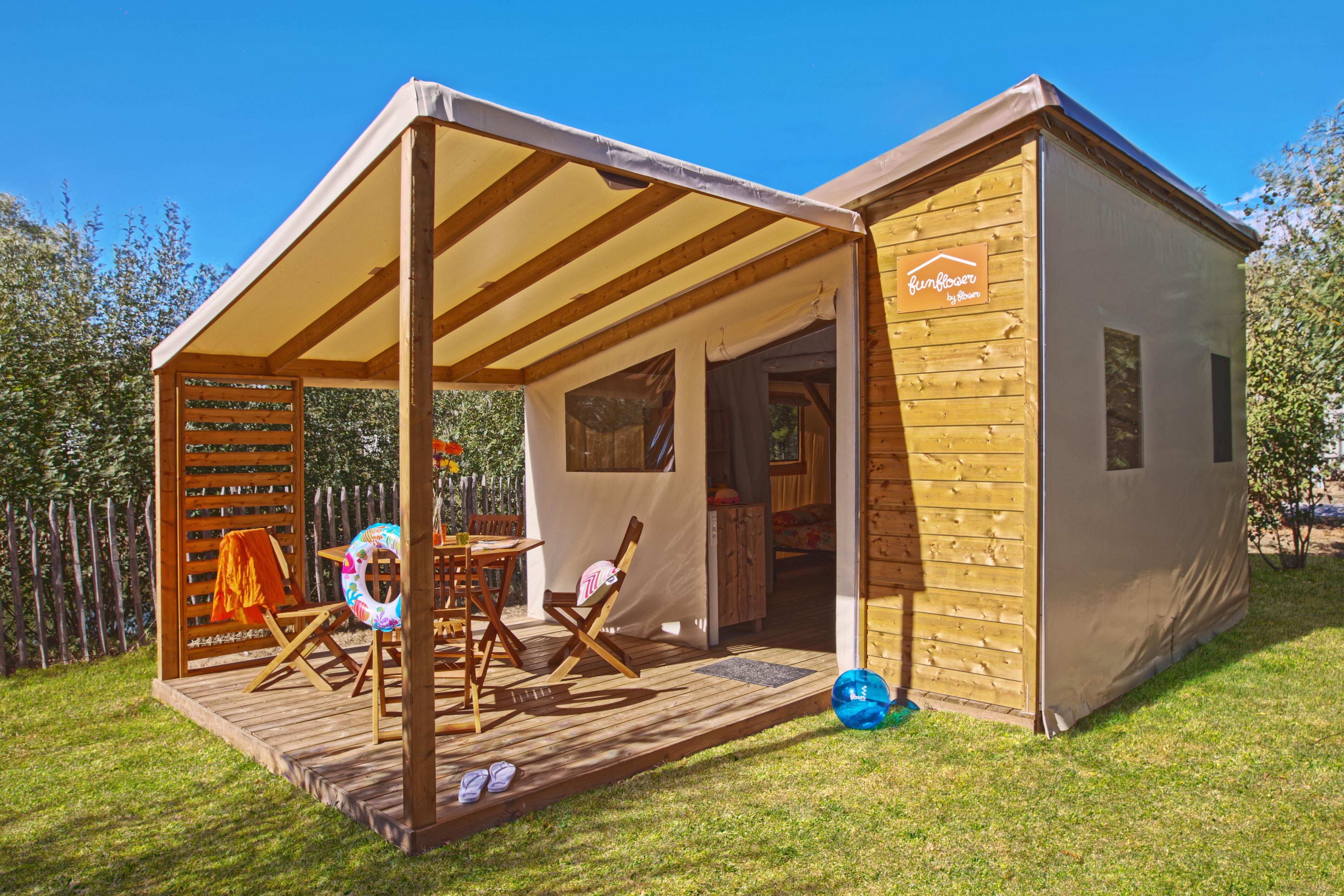 Location - Confort Tente Funflower 23M² (2 Chambres) Dont Terrasse Couverte 7M² - Camping Du Lac de la Chausselière