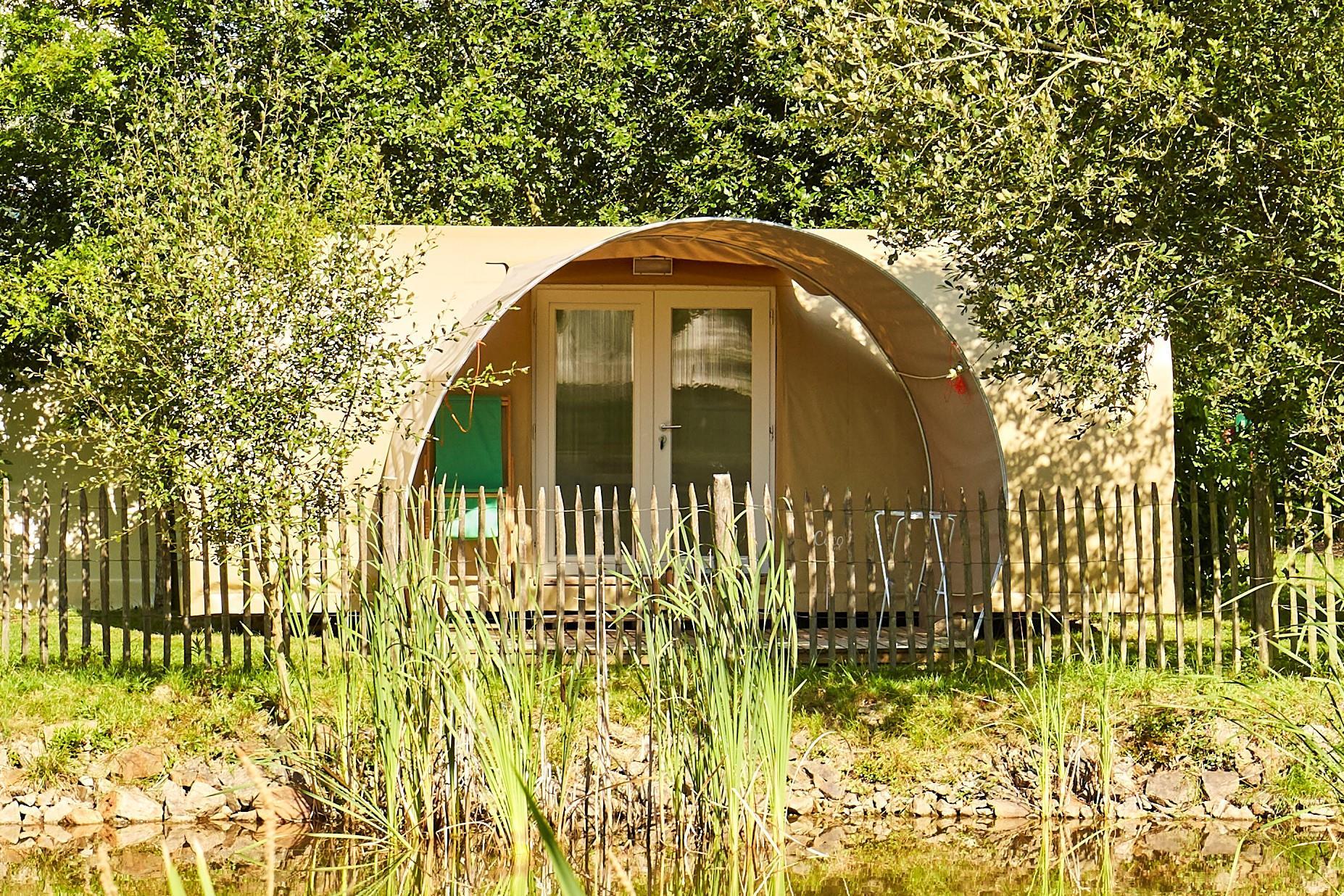 Location - Confort Cocosweet 16M² (1 Chambre) + Terrasse Semi-Couverte - Camping Du Lac de la Chausselière