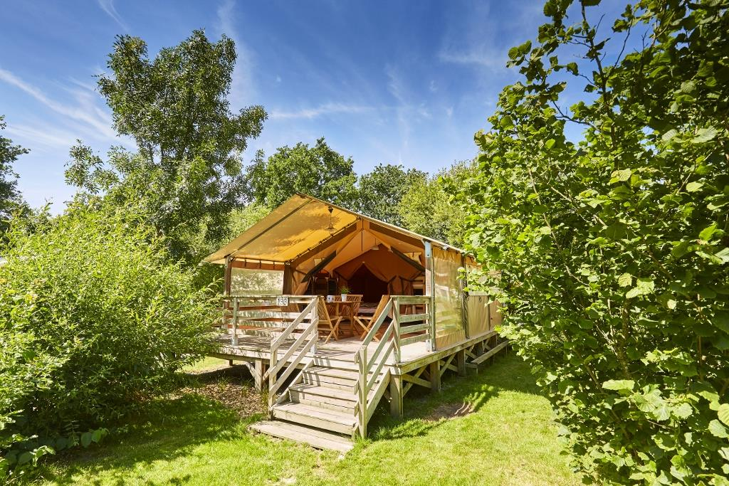 Location - Confort+ Lodge Victoria (2 Chambres) + Terrasse Semi-Couverte - Camping Du Lac de la Chausselière