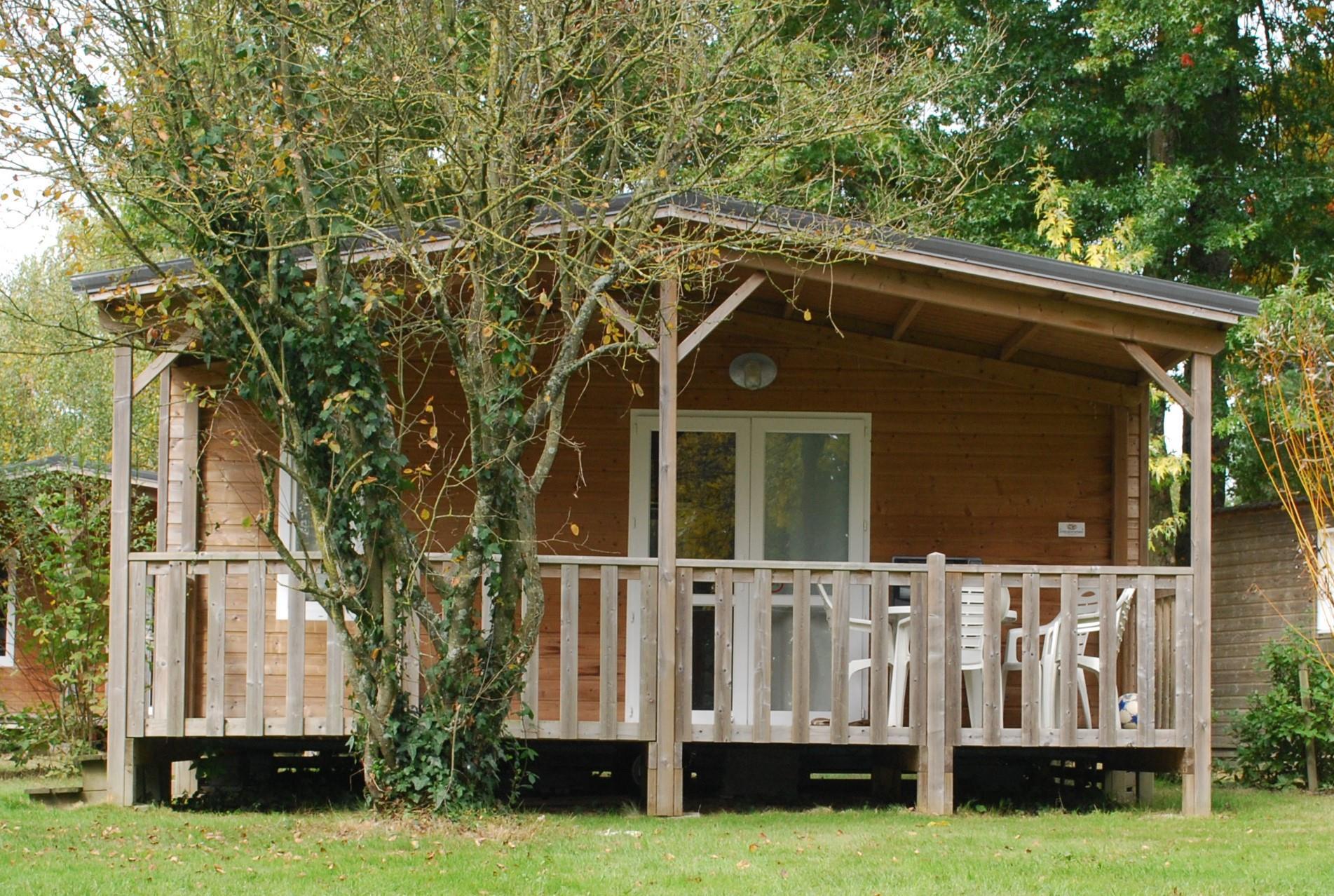 Location - Confort+ Chalet 24M² (2 Chambres) + Terrasse Couverte - Camping Du Lac de la Chausselière