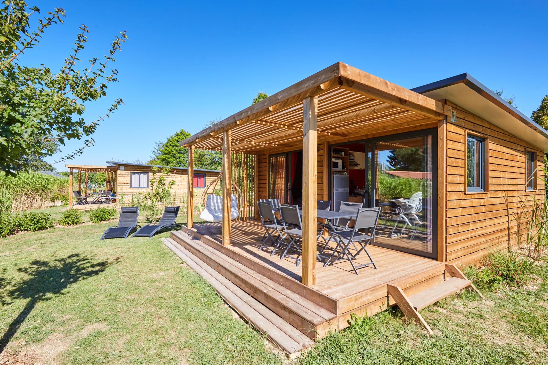 Location - Premium Côté Nature Chalet Ottawa 33M² (3 Chambres) + Terrasse Couverte Xxl - Camping Du Lac de la Chausselière