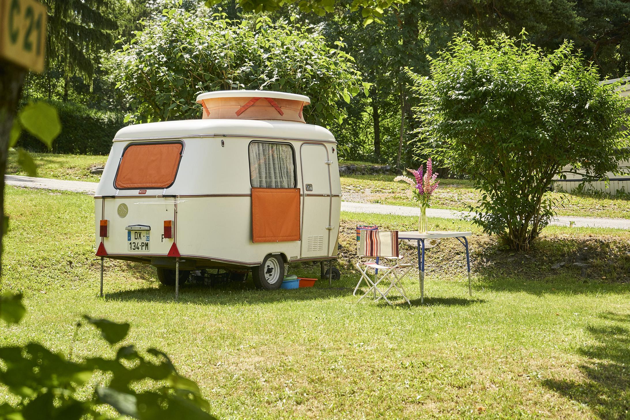 Emplacement - Emplacement + Caravane Ou Tente - Camping Le Reclus