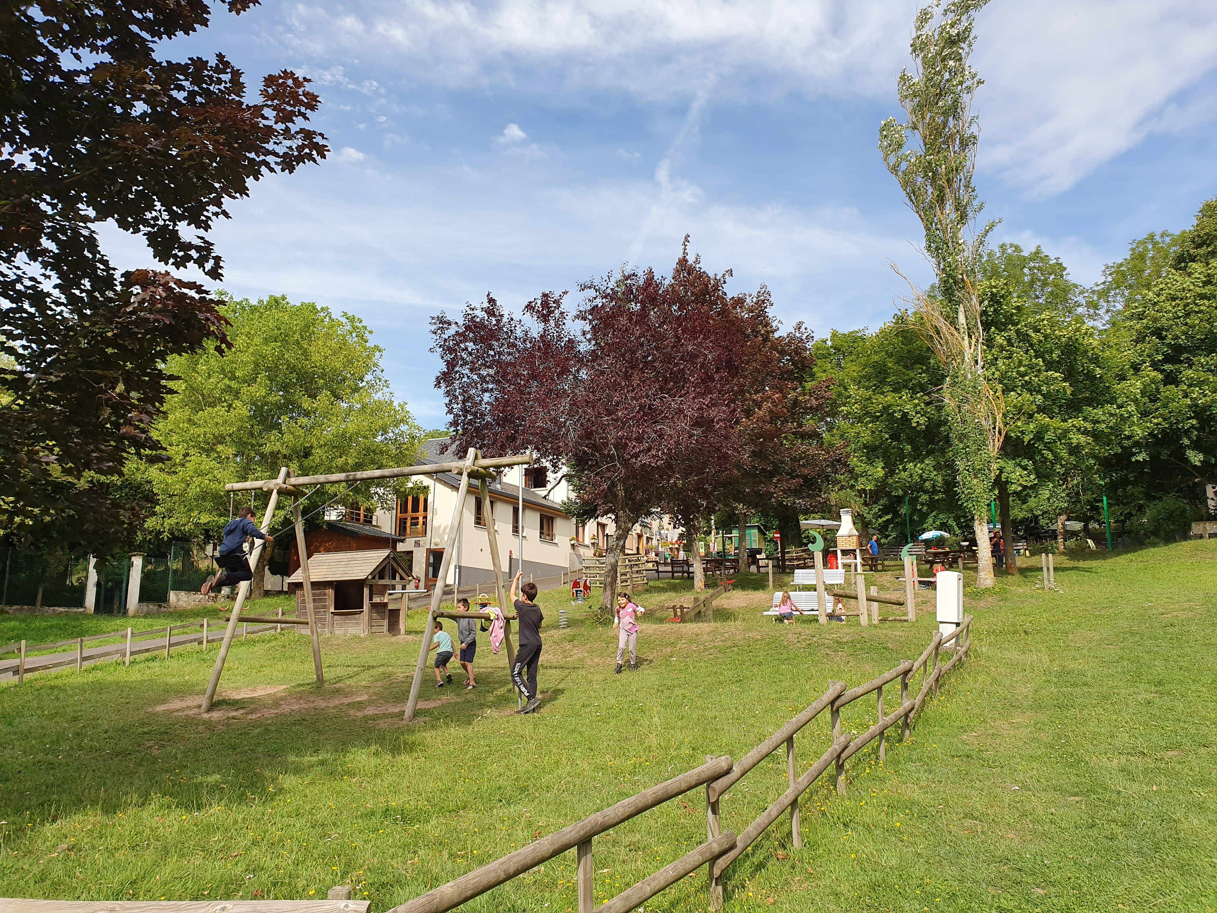 Camping la Haute Sioule, Saint-Bonnet-pres-Orcival, Puy-de-Dôme