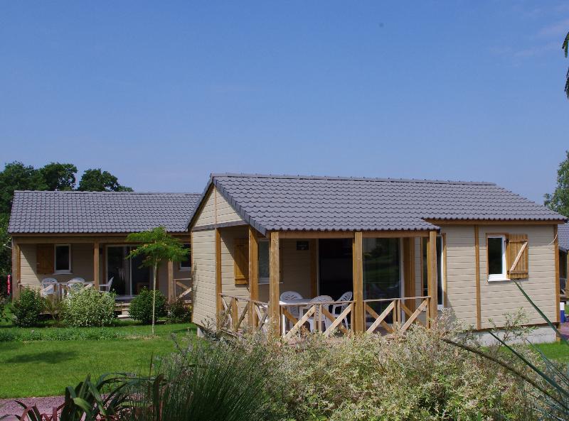 Chalet confort PREMIUM 33 m² (2 chambres) + terrasse couverte